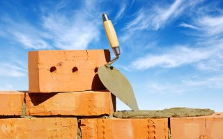 Кирпич в выполнении строительных работ